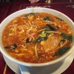 中華楼 - 酸辣湯麺