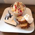 マグルズカフェ - オレオチーズケーキ、胡桃とメイプルのケーキ