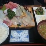 活魚 千葉屋 - 刺身盛り合わせ(定食)