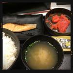 吉野家 - 焼魚明太子定食 590円