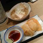 晩杯屋 - ミル貝と煮込み豆腐