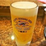 南海そば - キンキンに冷えたジョッキの生ビール
