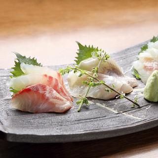 毎日仕入れる魚介料理もすすめ!
