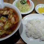 池上苑 - 料理写真:おそば定食(牛肉湯麵)800円