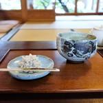 茶寮 宝泉 - 雪餅の抹茶セット