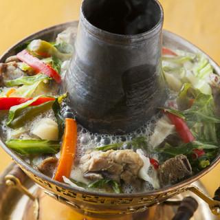ヒマラヤのハーブを使った「ギャコック鍋」