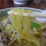 川平飯店 - 塩・味噌、ともに麺は細麺タイプ