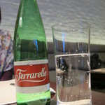 オステリア カッパ - ガス入りミネラル(Ferrarelle)600円