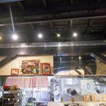 小松屋 - ちょっぴりイタリアンな雰囲気も感じつつ、注文した料理が出来上がるのを待つことにしました。