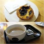 TARTINE - 料理写真:pastel de Nata1.30€/Cafe Latte1.90€
