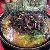 上越家 - 料理写真:並盛ラーメン ¥680+本日のサービストッピング きくらげとのりのセット¥100