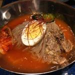 立食焼肉 一穂 - お連れさんの冷麺