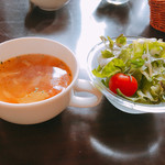 64605990 - ランチメニューのセットになっているサラダとスープです。(2017.3 byジプシーくん)