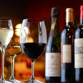 素材を生かしたビストロ料理とワインを共に。