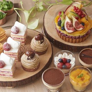 世界の製菓大会にて優勝経験もあるペストリーチームによるケーキ