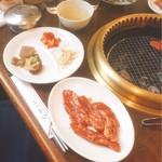 韓の家 - 焼肉定食 カルビ(800円)【平成29年03月28日撮影】