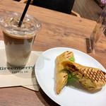 グリーンベリーズコーヒー - Latte(Iced) Tall、Daybreak