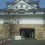 お菓子の壽城 - 近づくと壽城の文字が(;^_^
