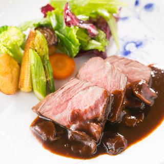 『シェフ自慢の肉料理』