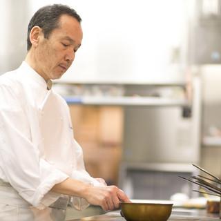 子どもの頃に触れた、西洋文化に触発されて料理の世界へ