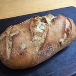 64616312 - いちじくのパン