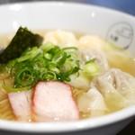 八雲 - 料理写真:特製ワンタン麺 白だし