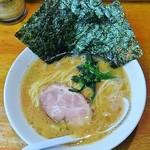 64623625 - ラーメン670円麺硬め。海苔増し100円。