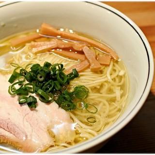 麺屋彩香 - 料理写真:塩 750円 柔らかで軽やかな塩♪