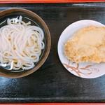がんば亭 - 冷かけうどん、鶏天で370円です。(2017.3 byジプシーくん)