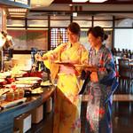 阿波郷土料理 彩 - オープンキッチンイメージ
