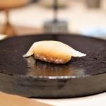 鮨 由う - 青森県産アイナメの昆布締め