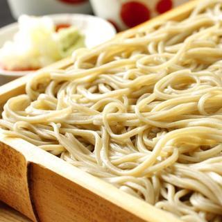 北海道より直送される「そば粉」で作る自家製蕎麦