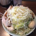 64644293 - 子豚野菜マシマシ(味玉側)