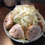 64644297 - 子豚野菜マシマシ(肉側)