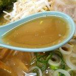 風来軒 延岡店 - 水と豚骨だけで炊きだした濃厚スープ