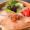 味千両 - 料理写真:味千両名物鮭わっぱめし