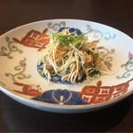 64646246 - 冬虫夏草と干豆腐の和え物