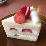 64646525 - イチゴショートケーキ