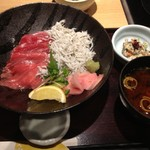 近畿大学水産研究所 - 近大マグロと和歌山産しらすの紀州丼