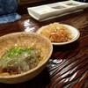 串亭 - 料理写真:お通し&たれ