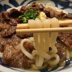 肉饂飩とみ坂 - うどん