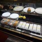 シルバード洋菓子店 - ショーケース