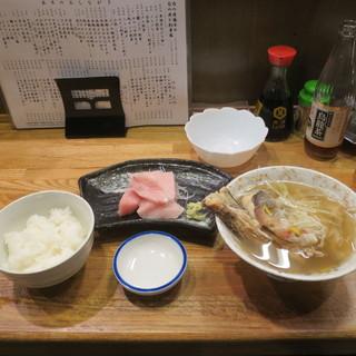 上州屋 - 料理写真:ごはん、本日のあら汁、長崎対馬 本鮪トロブツ切り