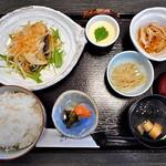 湊や - 料理写真:本日のランチ(さわら唐揚南蛮漬)(ご飯大盛り)