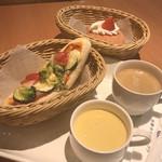 パネッテリア オークラ - イートインセット (選べるパン2点、スープ、ドリンク)