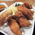 64669139 - 「白身魚フライ(+カキフライ)アップ。」美味そうです。