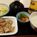 松屋 - 豚バラ焼肉ラージ定食700円+生ビール150円