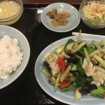 64670033 - 海鮮炒青菜 980円