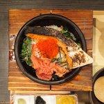 だよね。 - 鮭といくらの海鮮茶漬け+炙り明太子 980円