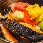 だよね。 - 鮭といくらの海鮮茶漬け+炙り明太子 980円 のお茶漬け